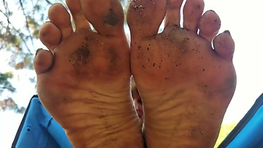 Julie's mature smelly dirty feet