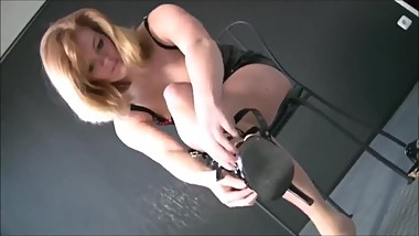 Sexy blonde MILF in tight too short pvc dress exposes her big juicy ass !