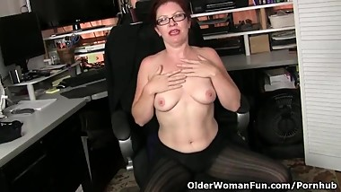 American milf Kimberlee needs getting off so badly