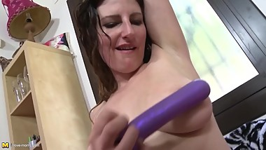 Long Haired Stepmom Sabrina Deep Masturbating