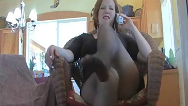 Milf shows feet and soles in pantyhose