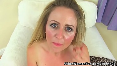 UK milf Classy Filth doesn't wear her bra and knickers