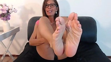 Mature soles on webcam
