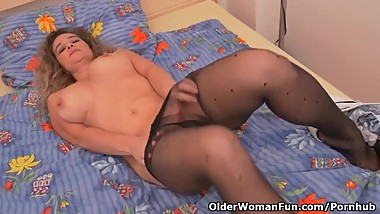 Euro milf Ameli revs up her sex drive in nylon