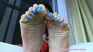 Sweet coco blue nails