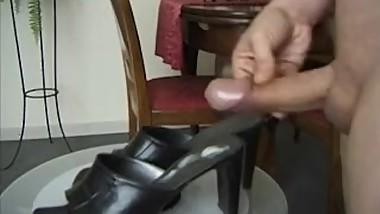 Big cum on gfs mums heels