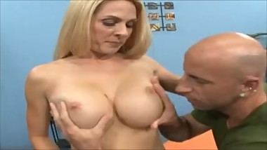 Husband lead he wife to try something new and geting good fuck and cum on t
