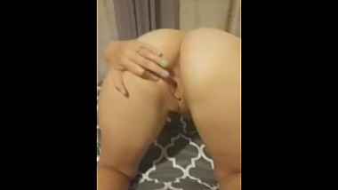This white wife Milf spreads pussy and ass up cum hard on my asshole