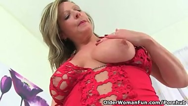 UK milf Silky will wet your appetite for juicy pussy