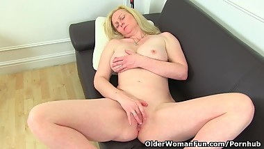 Big titted milf Fiona is pleasuring her pantyhosed clit