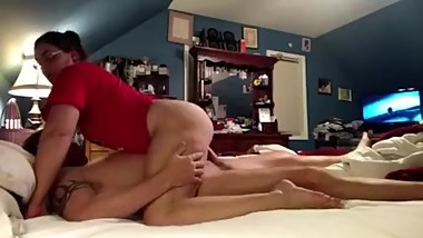 WIFE SUCKS AND FUCKS HER HUSBAND UNTIL HE NUTS