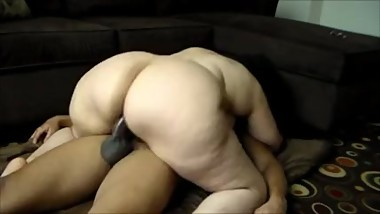 EBONY MATURE FUCKED ON CAM