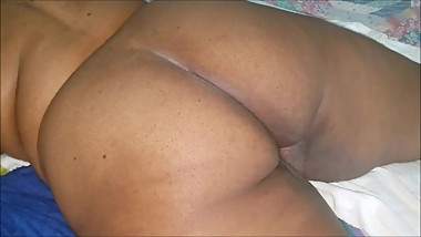 BIG BUTT BBW GETS A CREAMPIE