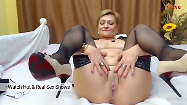 Mature milf masturbate and play with her pussy and anal. Bitch