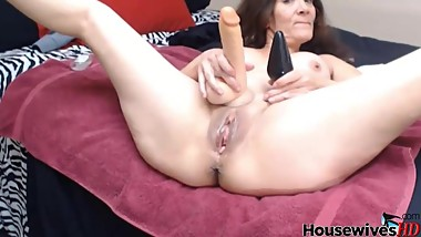 54 years old housewife Julia masturbates